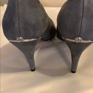 Michael Michael Kors grey suede pumps new